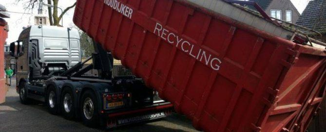 vrachtwagen-Den-Houdijker-inzameling-oud-ijzer